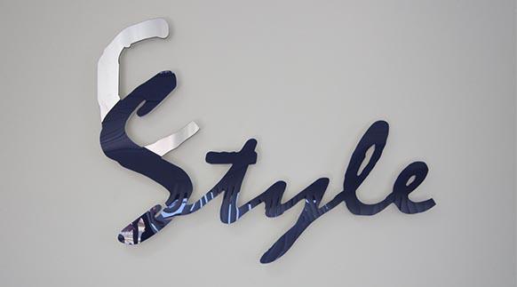 Rótulos luminosos en PVC, metacrilato, aluminio, madera Rótulos Art Design