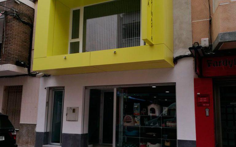 diseño de fachadas en murcia con panel sadwich o composite - Rótulos y fachadas Art Design