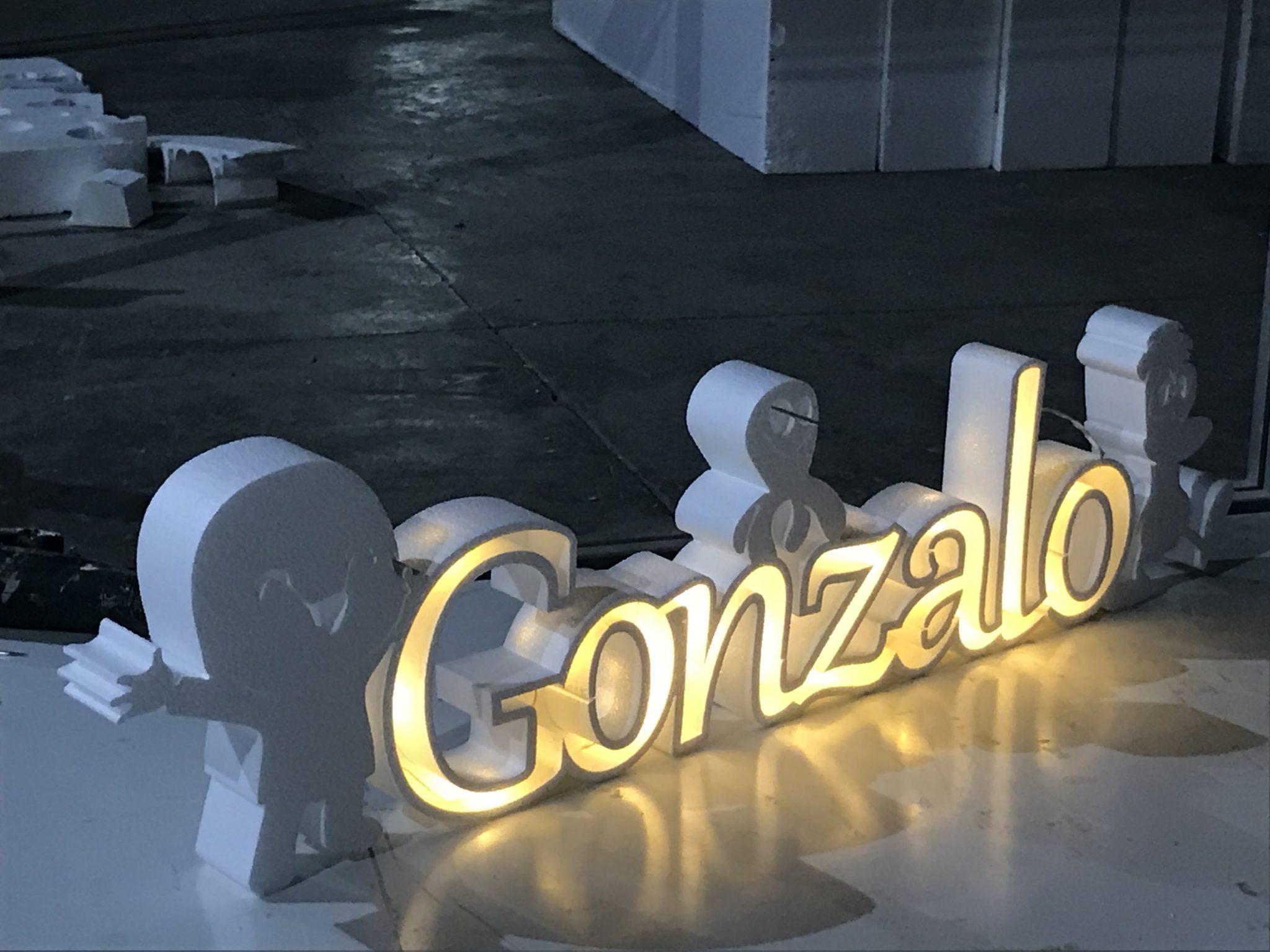 letras y formas en corcho en Murcia - Rótulos Luminosos Art Design