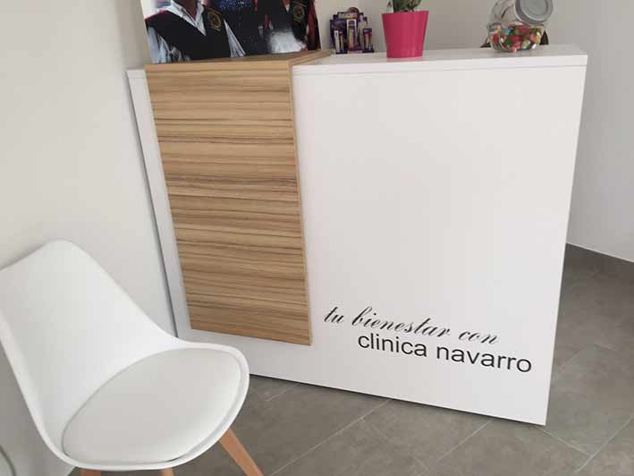 Vinilos decorativos, frases y citas, Clínica Navarro - Rótulos Art Design