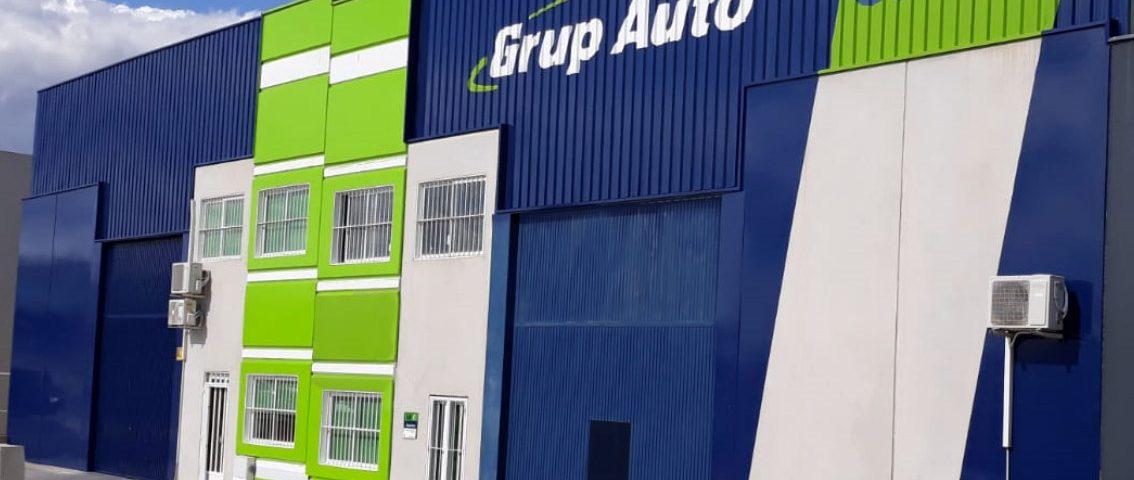 Grupo Auto, revistimiento de fachadas. Rótulos Art Design