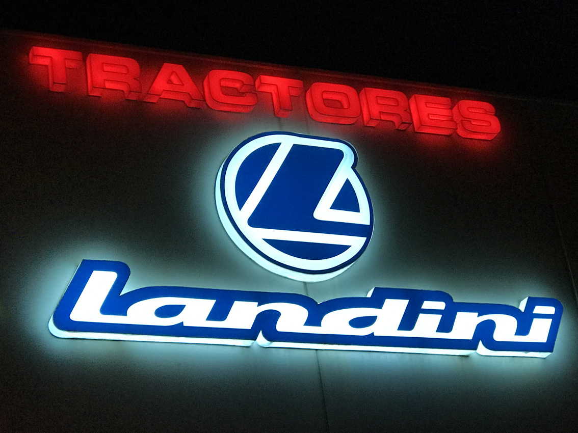 Letrero Luminoso, Tractores Landini - Rótulos Art Design