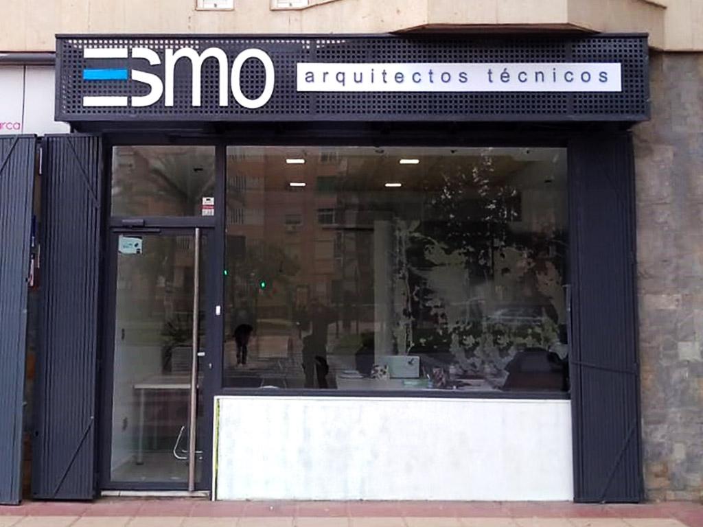 Marquesina realizada para ESMO - Rótulos Art Design