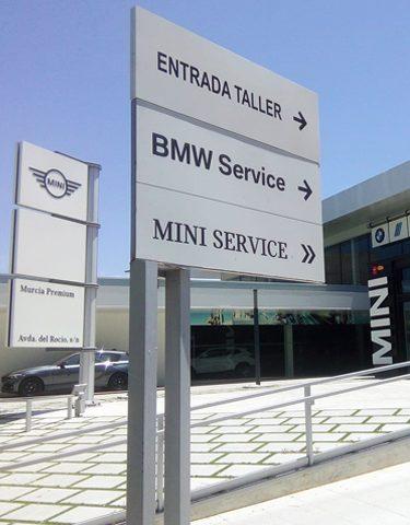 Señalética realizada para BMW por Rótulos Art Design