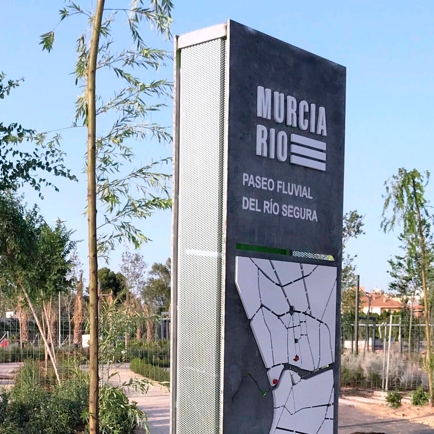 Murcia rio, Totem. Trabajo realizado por Rótulos Art Design.