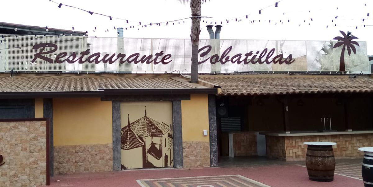 Rótulo corporativo en PVC - Restaurante COBATILLAS